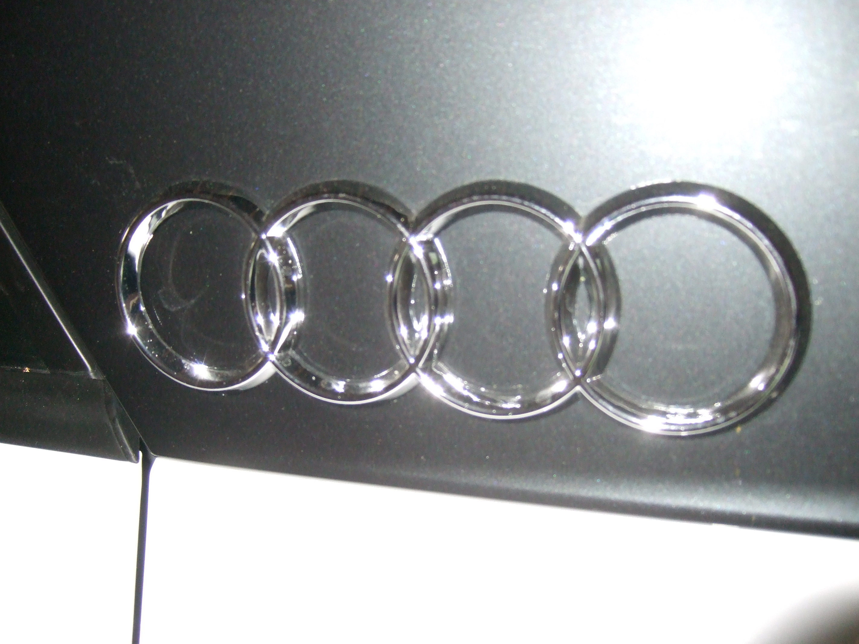 audi sticker emblem for blades - Audi Q2 Forums